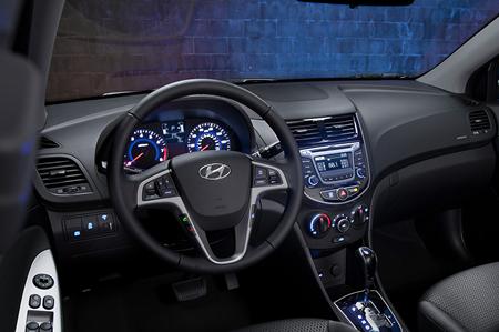 image18 Hyundai solaris foto descrizione